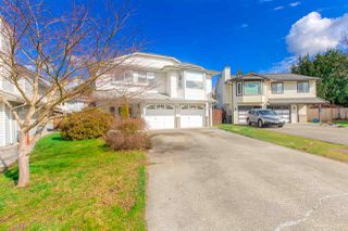 Main Photo: 18865 124 Avenue in Pitt Meadows: Central Meadows House for sale : MLS®# R2443825