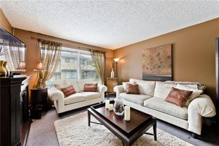 Photo 2: 31 380 BERMUDA Drive NW in Calgary: Beddington Heights Row/Townhouse for sale : MLS®# C4299163