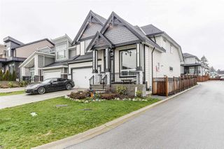 """Photo 2: 20573 69A Avenue in Langley: Willoughby Heights House for sale in """"Willoughby"""" : MLS®# R2469675"""