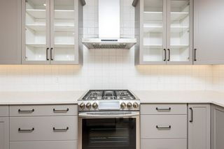 Photo 11: 14324 106 Avenue NW in Edmonton: Zone 21 House for sale : MLS®# E4204303