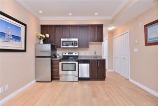 Photo 7: 302 9717 First St in Sidney: Si Sidney South-East Condo Apartment for sale : MLS®# 831930