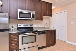 Photo 10: 302 9717 First St in Sidney: Si Sidney South-East Condo Apartment for sale : MLS®# 831930