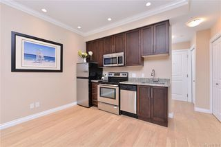 Photo 8: 302 9717 First St in Sidney: Si Sidney South-East Condo for sale : MLS®# 831930