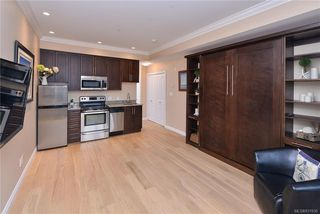 Photo 3: 302 9717 First St in Sidney: Si Sidney South-East Condo Apartment for sale : MLS®# 831930