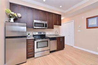 Photo 9: 302 9717 First St in Sidney: Si Sidney South-East Condo Apartment for sale : MLS®# 831930