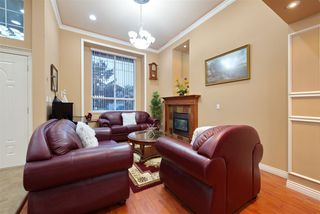Photo 3: 14960 67 Avenue in Surrey: East Newton House for sale : MLS®# R2495256
