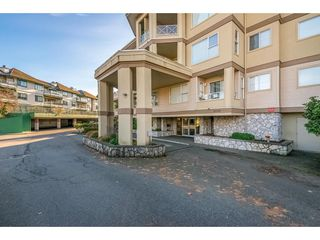 "Photo 2: 107 20120 56 Avenue in Langley: Langley City Condo for sale in ""Blackberry Lane 1"" : MLS®# R2495624"