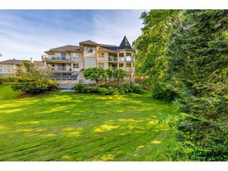 "Photo 22: 107 20120 56 Avenue in Langley: Langley City Condo for sale in ""Blackberry Lane 1"" : MLS®# R2495624"