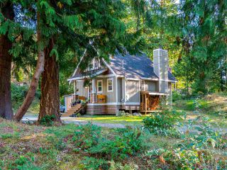 Photo 3: 13514 LEE Road in Pender Harbour: Pender Harbour Egmont House for sale (Sunshine Coast)  : MLS®# R2508644