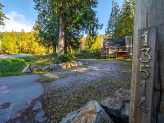 Photo 1: 13514 LEE Road in Pender Harbour: Pender Harbour Egmont House for sale (Sunshine Coast)  : MLS®# R2508644