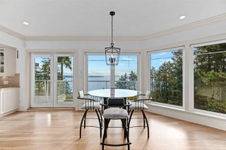 "Photo 14: 14112 MARINE Drive: White Rock House for sale in ""Waterfront Marine Drives Golden Mile"" (South Surrey White Rock)  : MLS®# R2517454"