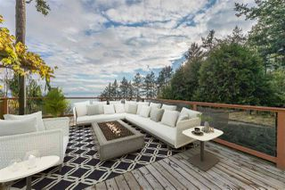 "Photo 28: 14112 MARINE Drive: White Rock House for sale in ""Waterfront Marine Drives Golden Mile"" (South Surrey White Rock)  : MLS®# R2517454"