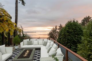 "Photo 34: 14112 MARINE Drive: White Rock House for sale in ""Waterfront Marine Drives Golden Mile"" (South Surrey White Rock)  : MLS®# R2517454"