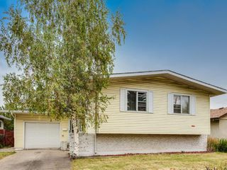 Photo 2: 10408 Elbow Drive SW in Calgary: Southwood Detached for sale : MLS®# A1055734