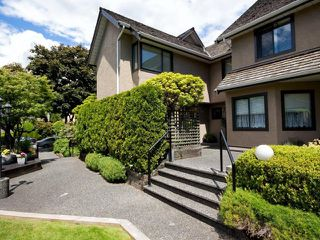 Photo 3: # 1 237 W 16TH ST in North Vancouver: Central Lonsdale Townhouse for sale : MLS®# V1012508