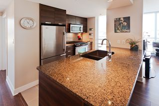 Photo 2: 803 2968 Glen Drive in Coquitlam: North Coquitlam Condo for sale : MLS®# V1015928
