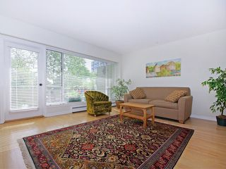 "Photo 2: 203 5475 VINE Street in Vancouver: Kerrisdale Condo for sale in ""Vinecrest Manor"" (Vancouver West)  : MLS®# V1062495"