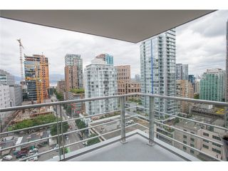 Photo 7: 1703 535 SMITHE Street in Vancouver: Downtown VW Condo for sale (Vancouver West)  : MLS®# V1070337