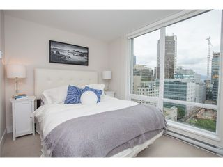 Photo 4: 1703 535 SMITHE Street in Vancouver: Downtown VW Condo for sale (Vancouver West)  : MLS®# V1070337
