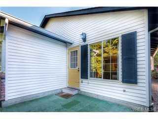 Photo 18: 2255 Woodlawn Cres in VICTORIA: OB North Oak Bay Single Family Detached for sale (Oak Bay)  : MLS®# 683981