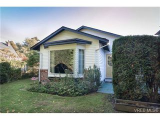 Photo 19: 2255 Woodlawn Crescent in VICTORIA: OB North Oak Bay Single Family Detached for sale (Oak Bay)  : MLS®# 343014