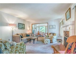 Photo 4: 2255 Woodlawn Crescent in VICTORIA: OB North Oak Bay Single Family Detached for sale (Oak Bay)  : MLS®# 343014