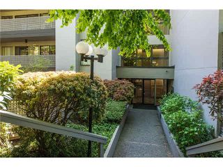 """Photo 2: 106 1955 WOODWAY Place in Burnaby: Brentwood Park Condo for sale in """"DOUGLAS VIEW"""" (Burnaby North)  : MLS®# V1117607"""