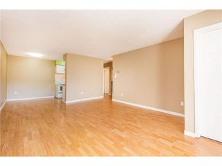 """Photo 11: 106 1955 WOODWAY Place in Burnaby: Brentwood Park Condo for sale in """"DOUGLAS VIEW"""" (Burnaby North)  : MLS®# V1117607"""