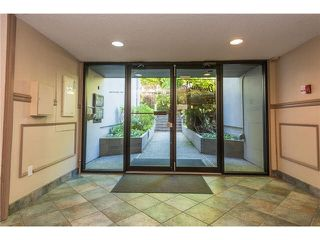 """Photo 15: 106 1955 WOODWAY Place in Burnaby: Brentwood Park Condo for sale in """"DOUGLAS VIEW"""" (Burnaby North)  : MLS®# V1117607"""