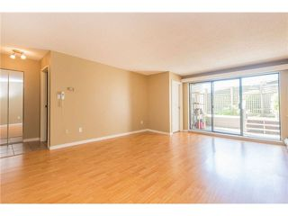 """Photo 10: 106 1955 WOODWAY Place in Burnaby: Brentwood Park Condo for sale in """"DOUGLAS VIEW"""" (Burnaby North)  : MLS®# V1117607"""