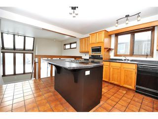 Photo 4: 2303 WESTMOUNT Road NW in Calgary: West Hillhurst House for sale : MLS®# C4014355