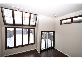 Photo 14: 2303 WESTMOUNT Road NW in Calgary: West Hillhurst House for sale : MLS®# C4014355