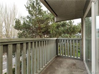 Photo 15: 308 1525 Hillside Avenue in VICTORIA: Vi Oaklands Condo Apartment for sale (Victoria)  : MLS®# 353863