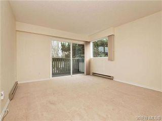 Photo 2: 308 1525 Hillside Avenue in VICTORIA: Vi Oaklands Condo Apartment for sale (Victoria)  : MLS®# 353863
