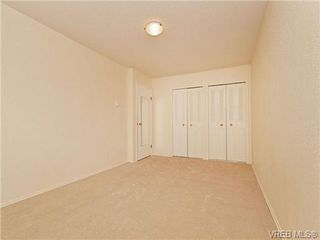 Photo 11: 308 1525 Hillside Ave in VICTORIA: Vi Oaklands Condo Apartment for sale (Victoria)  : MLS®# 707337