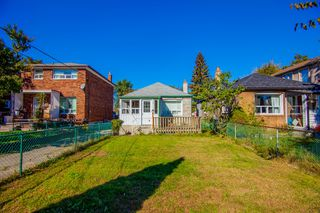 Photo 1: 106 Virginia Avenue in Toronto: Danforth Village-East York House (Bungalow) for sale (Toronto E03)  : MLS®# E3348813