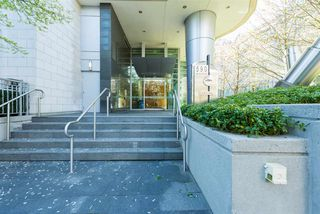 "Photo 19: 807 590 NICOLA Street in Vancouver: Coal Harbour Condo for sale in ""Cascina"" (Vancouver West)  : MLS®# R2053139"