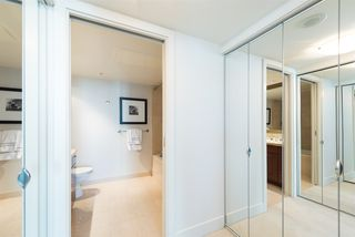 "Photo 10: 807 590 NICOLA Street in Vancouver: Coal Harbour Condo for sale in ""Cascina"" (Vancouver West)  : MLS®# R2053139"