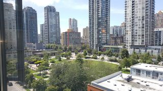"Photo 2: 906 488 HELMCKEN Street in Vancouver: Yaletown Condo for sale in ""Robinson Tower"" (Vancouver West)  : MLS®# R2086319"