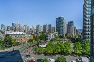 "Photo 10: 1006 193 AQUARIUS Mews in Vancouver: Yaletown Condo for sale in ""MARINASIDE RESORT"" (Vancouver West)  : MLS®# R2066799"
