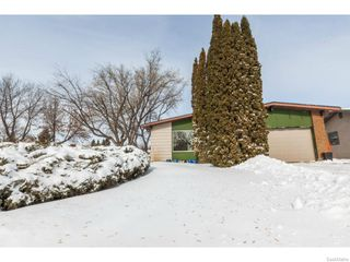Photo 1: 334 Redberry Road in Saskatoon: Lawson Heights Single Family Dwelling for sale (Saskatoon Area 03)  : MLS®# 600688