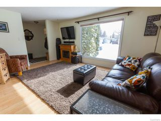 Photo 3: 334 Redberry Road in Saskatoon: Lawson Heights Single Family Dwelling for sale (Saskatoon Area 03)  : MLS®# 600688