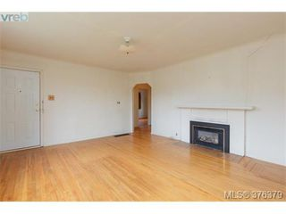 Photo 3: 1838 Newton St in VICTORIA: SE Camosun House for sale (Saanich East)  : MLS®# 755564