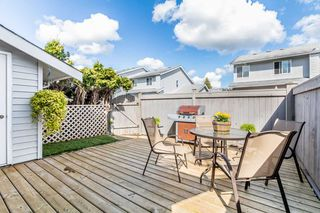 "Photo 13: 35 26970 32 Avenue in Langley: Aldergrove Langley Townhouse for sale in ""PARKSIDE"" : MLS®# R2161967"