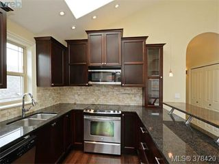 Photo 5: 1 1041 Southgate Street in VICTORIA: Vi Fairfield West Townhouse for sale (Victoria)  : MLS®# 378420