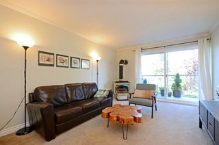 Photo 5: 206 2022 Foul Bay Rd in VICTORIA: Vi Jubilee Condo Apartment for sale (Victoria)  : MLS®# 761168
