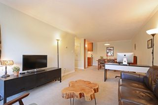 Photo 6: 206 2022 Foul Bay Rd in VICTORIA: Vi Jubilee Condo Apartment for sale (Victoria)  : MLS®# 761168
