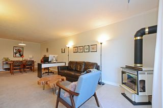 Photo 4: 206 2022 Foul Bay Rd in VICTORIA: Vi Jubilee Condo Apartment for sale (Victoria)  : MLS®# 761168