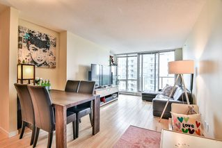 "Photo 2: 3102 9981 WHALLEY Boulevard in Surrey: Whalley Condo for sale in ""PARK PLACE 2"" (North Surrey)  : MLS®# R2180616"