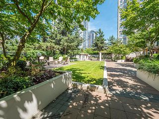 "Photo 11: 1902 1295 RICHARDS Street in Vancouver: Downtown VW Condo for sale in ""OSCAR"" (Vancouver West)  : MLS®# R2190580"